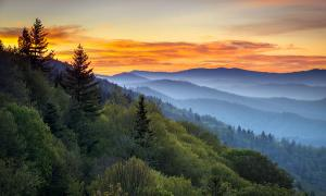 great-smoky-mountains-national-park-morning-haze-at-oconaluftee-dave-allen